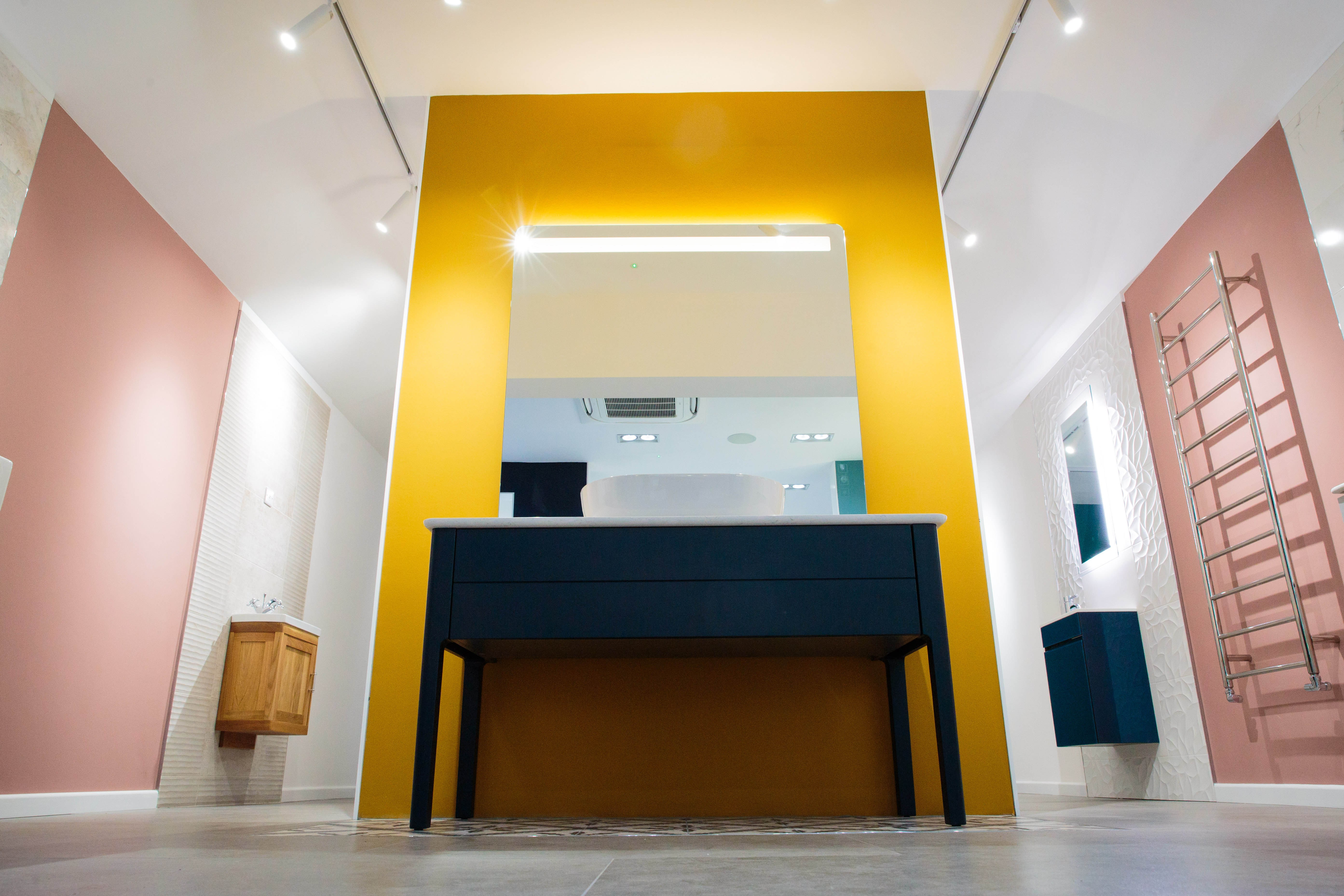 Highlighting craftmanship –– 'Draw A Bath' shifts to LED lighting to improve purchasing decisions through retail experience